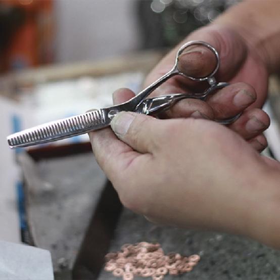 Этап сведения и окончательной заточки ножниц